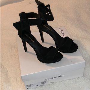 Steve Madden Shoes - Brand New Steve Madden Black Heels🖤